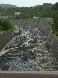 土石流水路